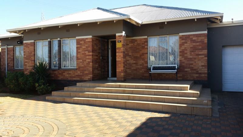 3 BedroomHouse For Sale In Sunnyridge