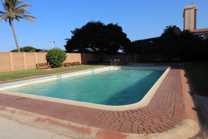 2 Bedroom Apartment for sale in Amanzimtoti ENT0055189 : photo#2