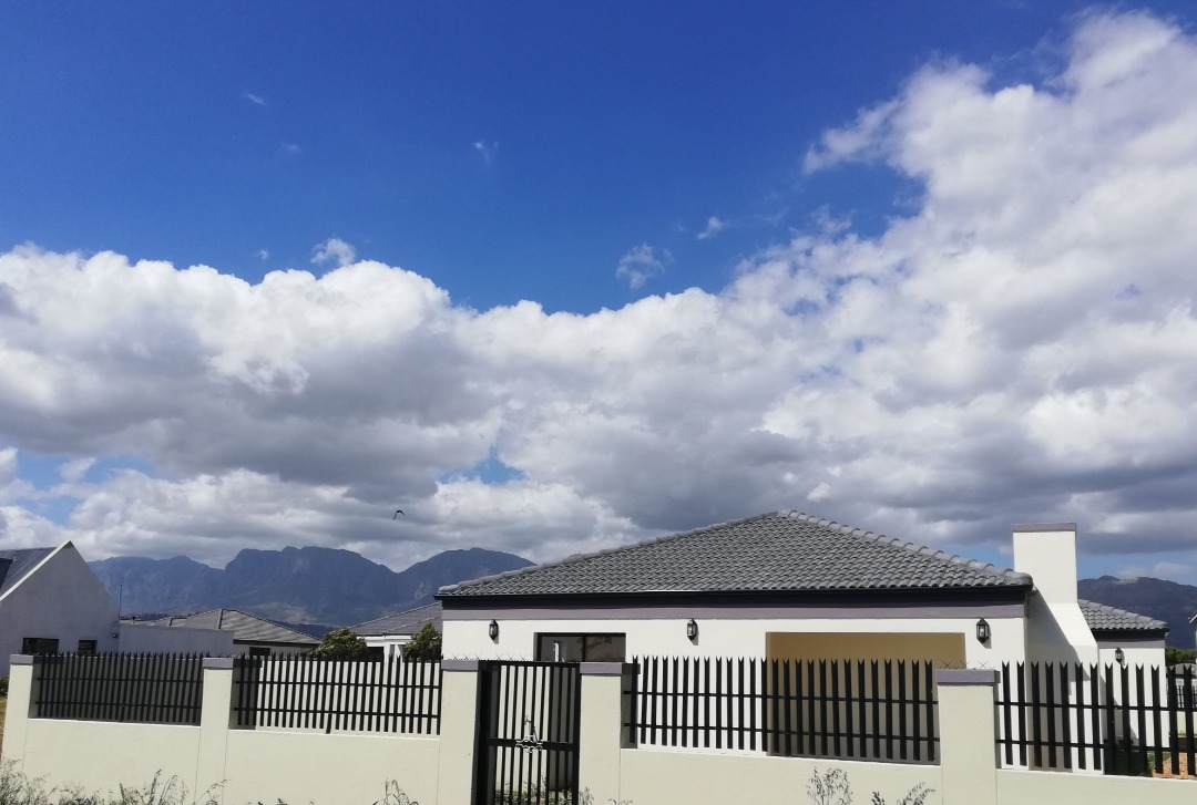 Immaculate brand new home on golf course