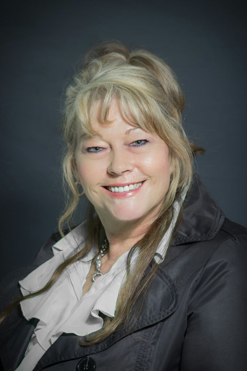 Real Estate Agent - Trudie Booysen