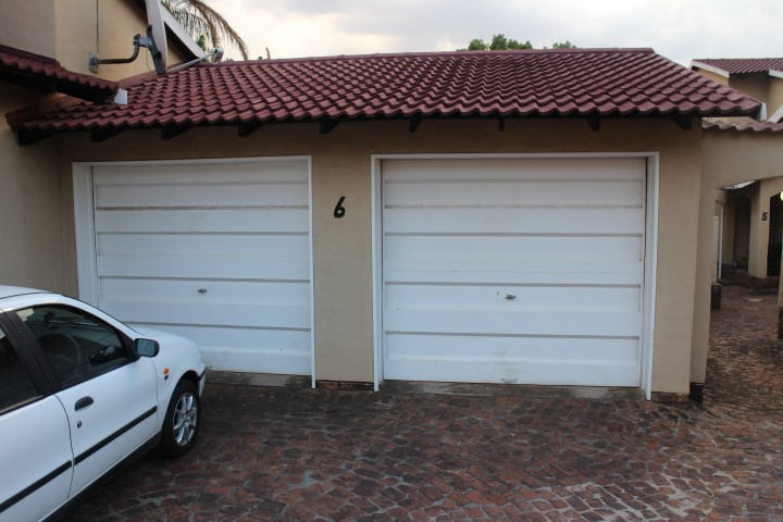 3 Bedroom Townhouse for sale in Eldoraigne ENT0012519 : photo#2