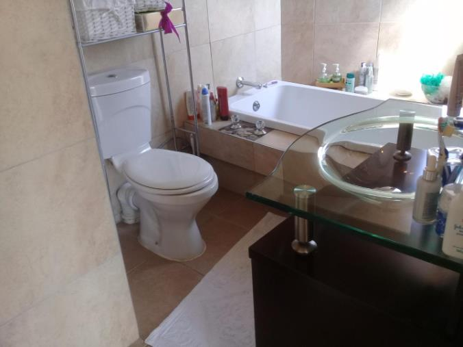 2 Bedroom Townhouse for sale in Bassonia ENT0067951 : photo#5