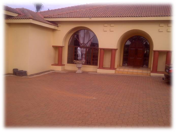 4 Bedroom House for sale in Grootfontein ENT0077759 : photo#1