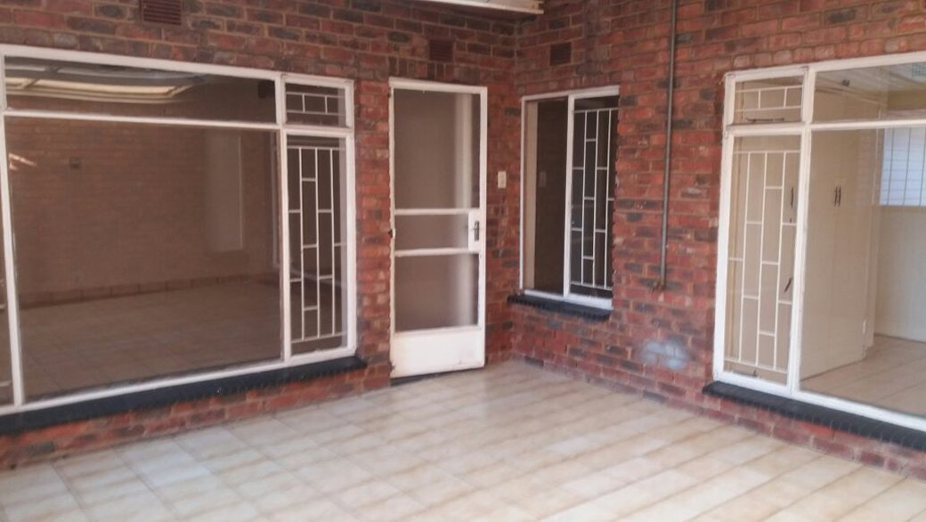 3 BedroomTownhouse For Sale In Middelburg