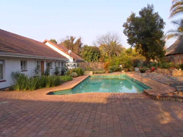 Beautiful Self-Catering Guest House with great Potential!