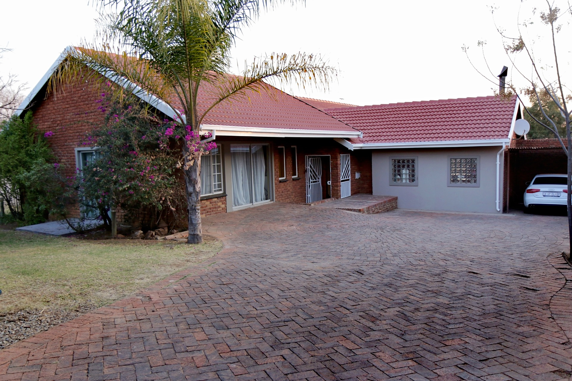 Must see 3 Bed House in Rietvallei Park