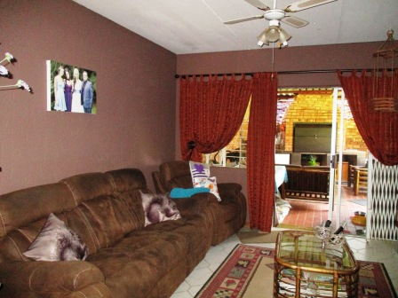 3 Bedroom Townhouse for sale in Clubview ENT0012464 : photo#3
