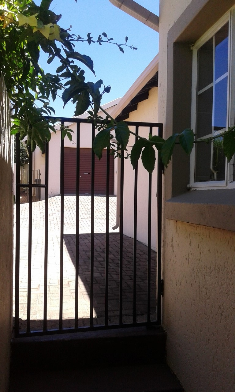 3 Bedroom Townhouse for sale in Northgate ENT0070583 : photo#12