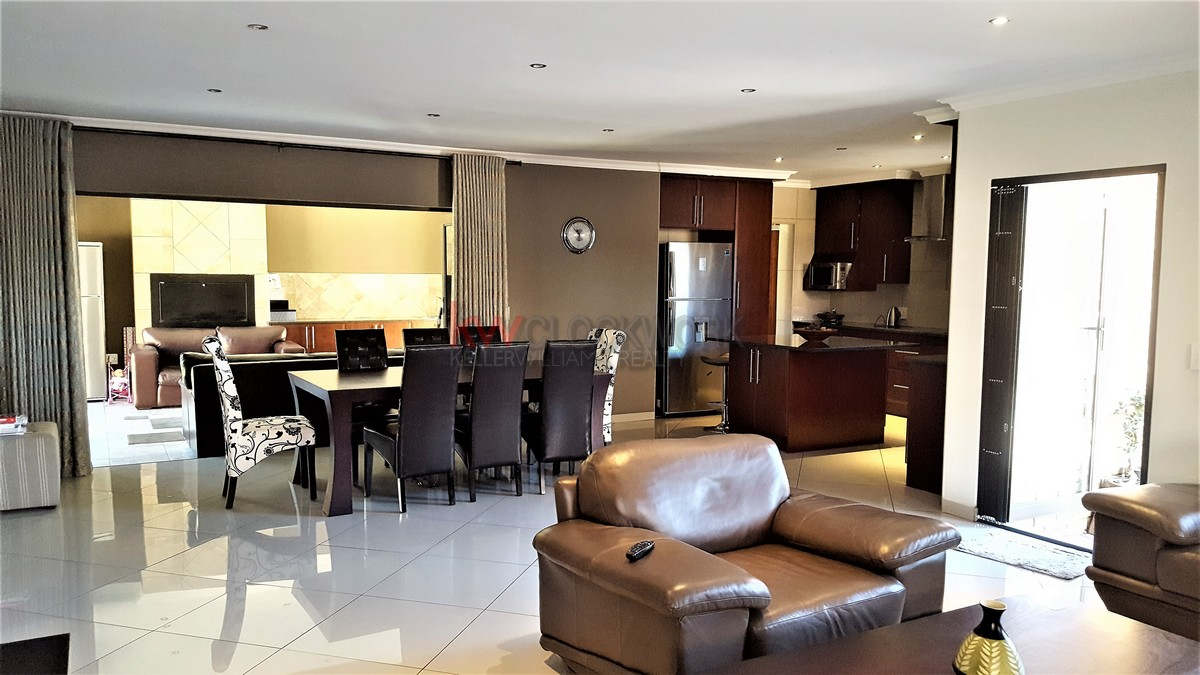 3 Bedroom Townhouse for sale in New Redruth ENT0055405 : photo#1