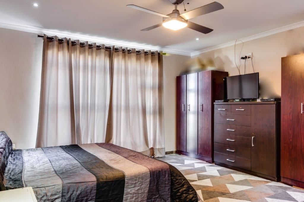 3 BedroomHouse For Sale In Peerless Park North