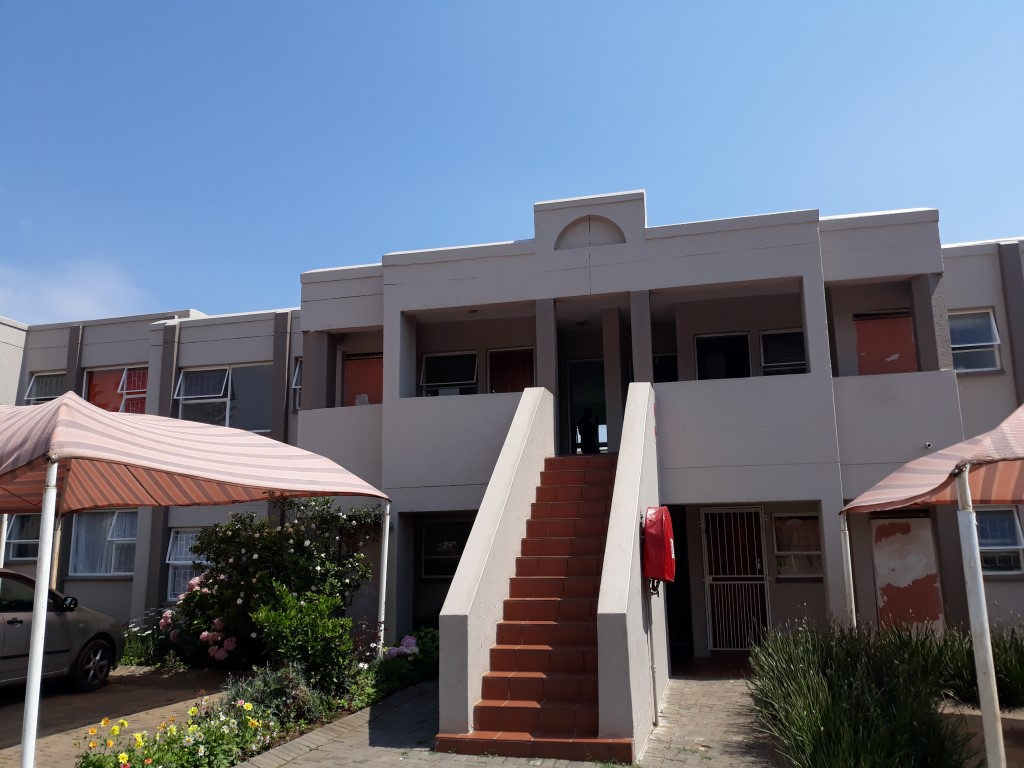 2 Bedroom Townhouse for sale in Glenanda ENT0079380 : photo#0