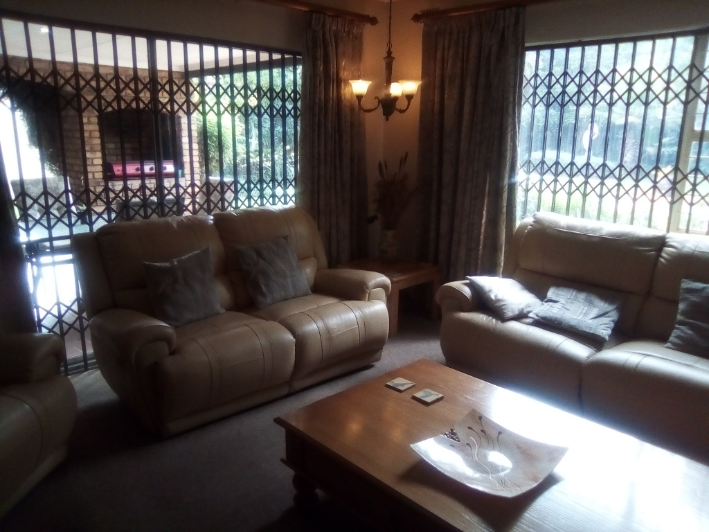 3 Bedroom House for sale in Sunward Park ENT0090548 : photo#3