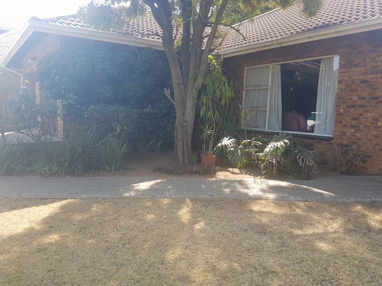 3 Bedroom House for sale in Sunward Park ENT0066969 : photo#1