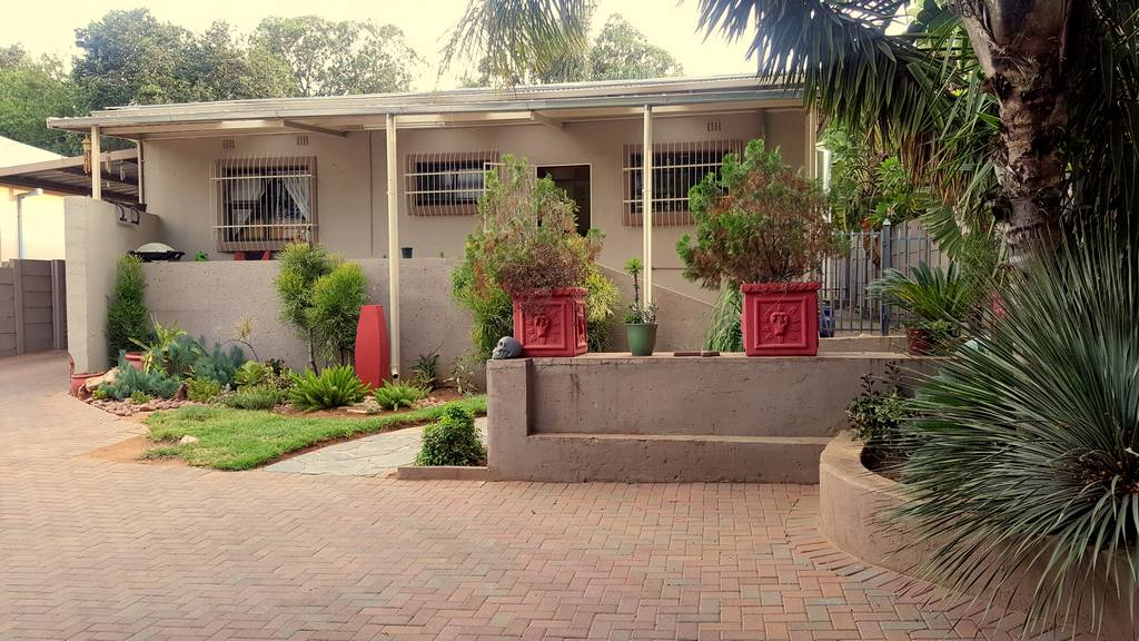 Spacious and neat home in Pretoria Gardens for sale