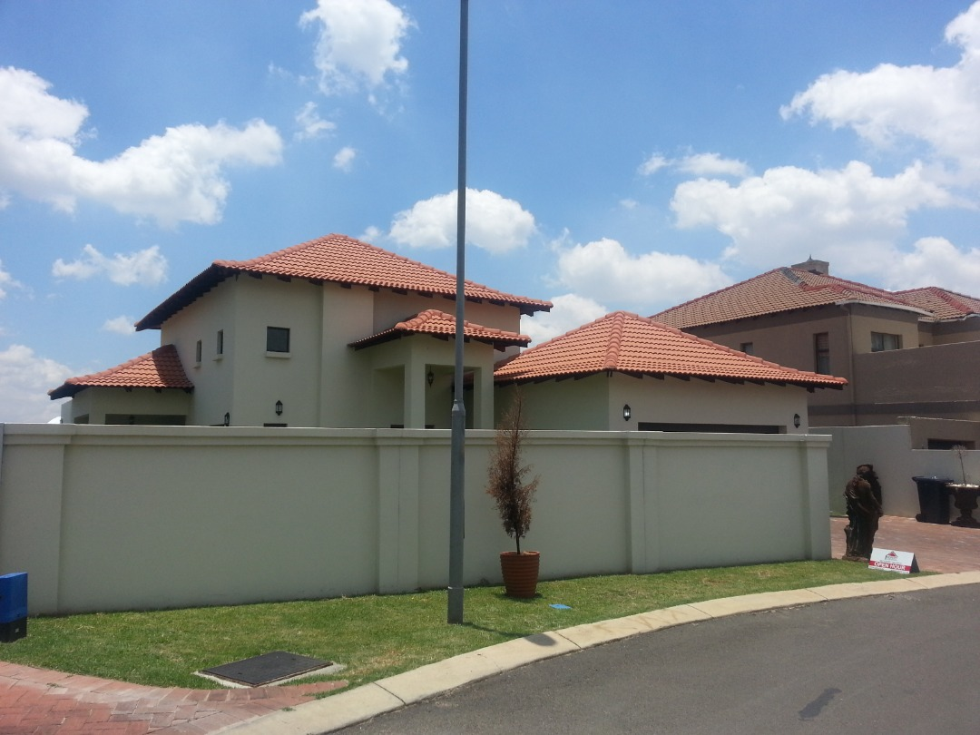 Brand new immaculate home