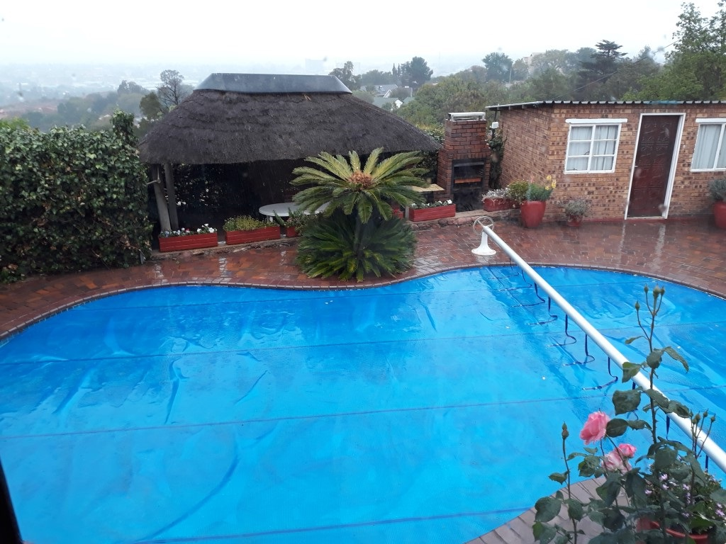 4 Bedroom House for sale in South Crest ENT0072509 : photo#0