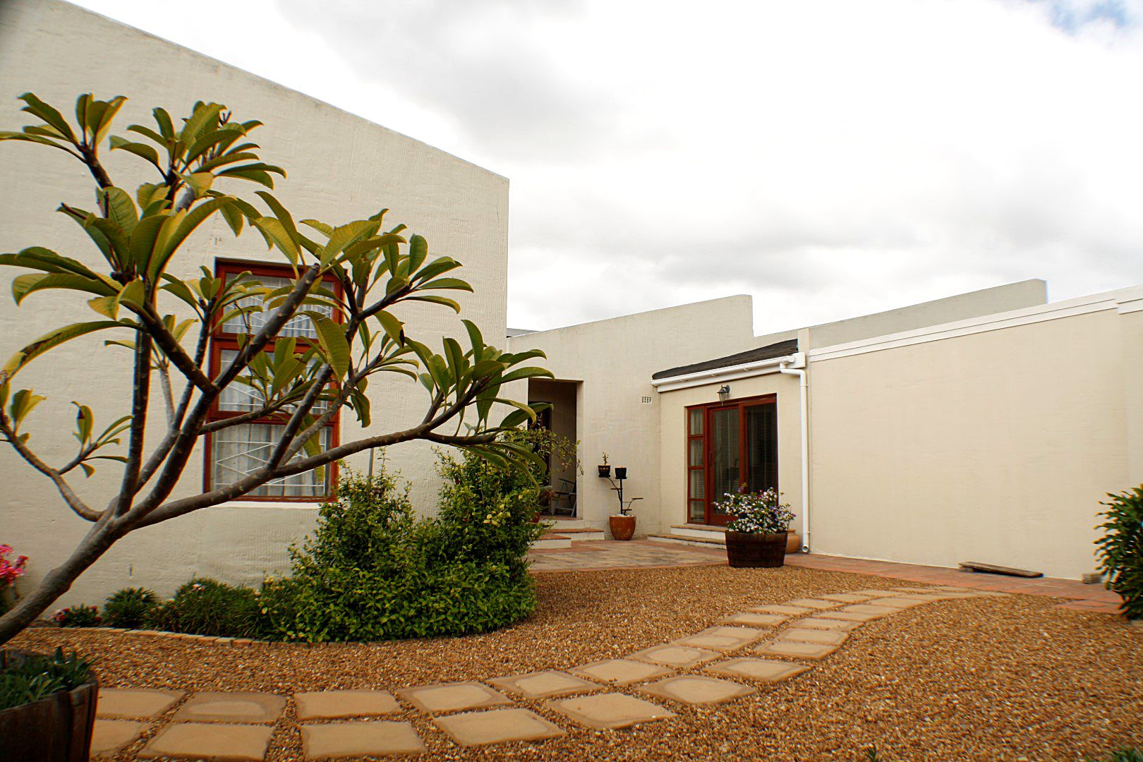 4 Bedroom House for sale in Edgemead ENT0067558 : photo#15