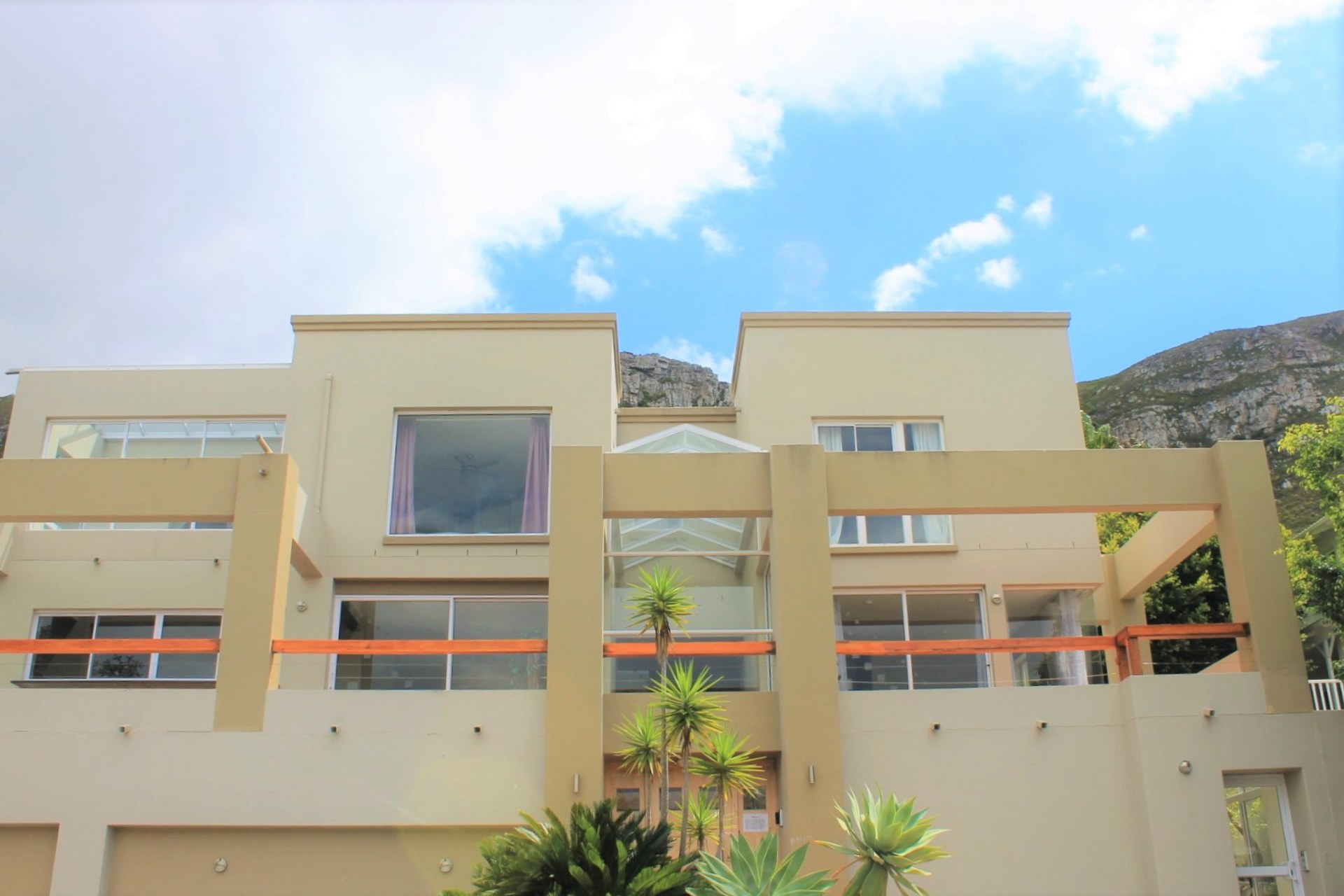 House For Sale In Hermanus Heights