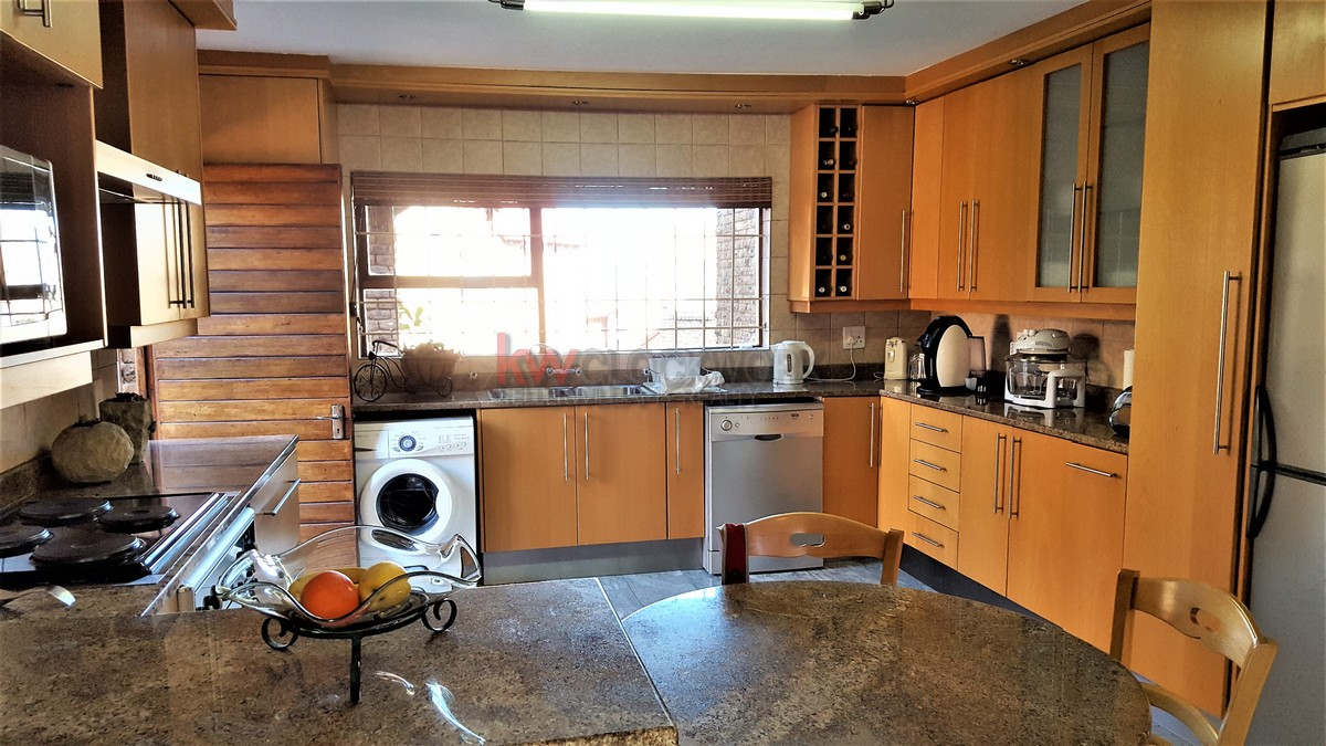 3 Bedroom Townhouse for sale in Bassonia ENT0044188 : photo#15
