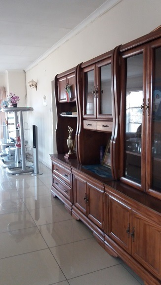 Location!!  Immaculate 3 bed roomed apartment in Windsor west