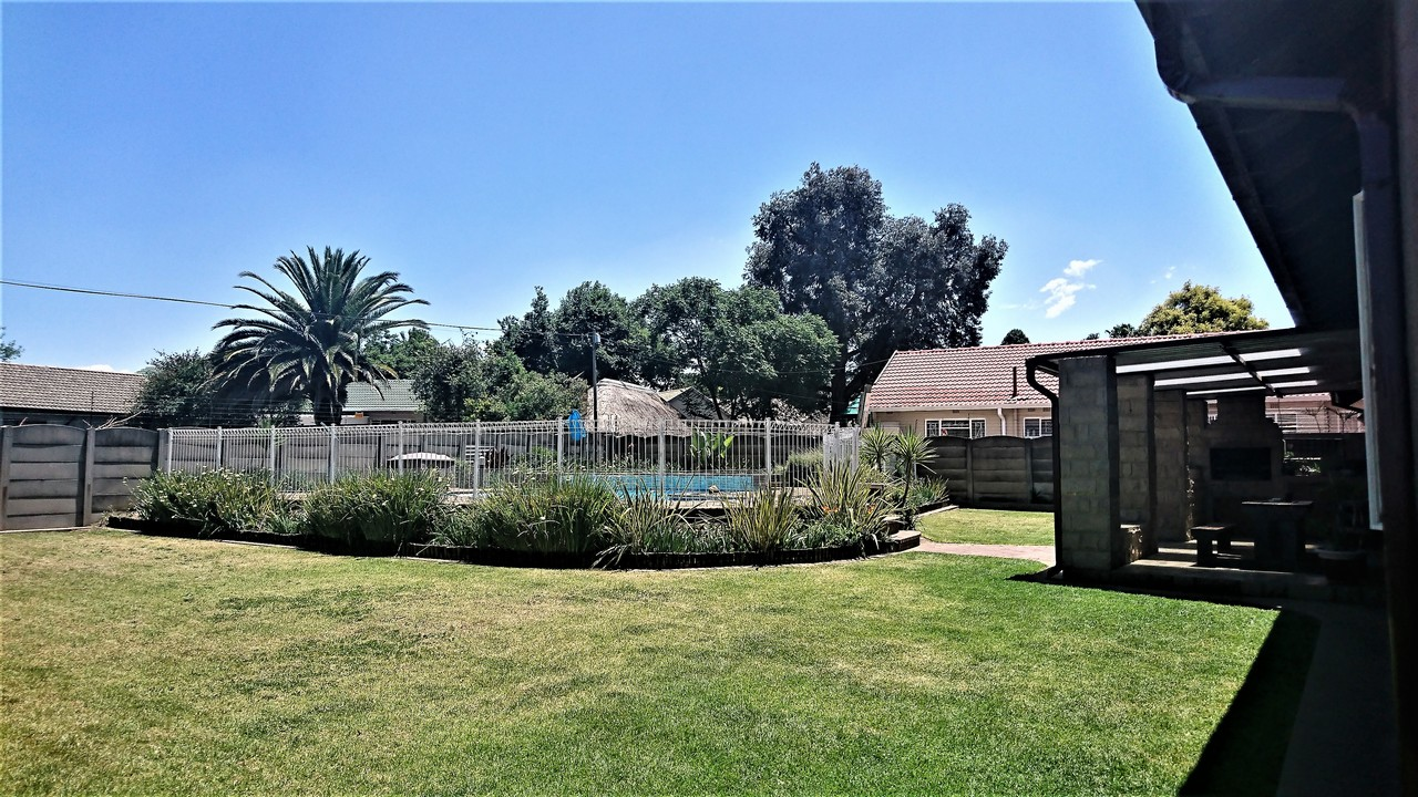 4 Bedroom House for sale in Brackendowns ENT0077760 : photo#19