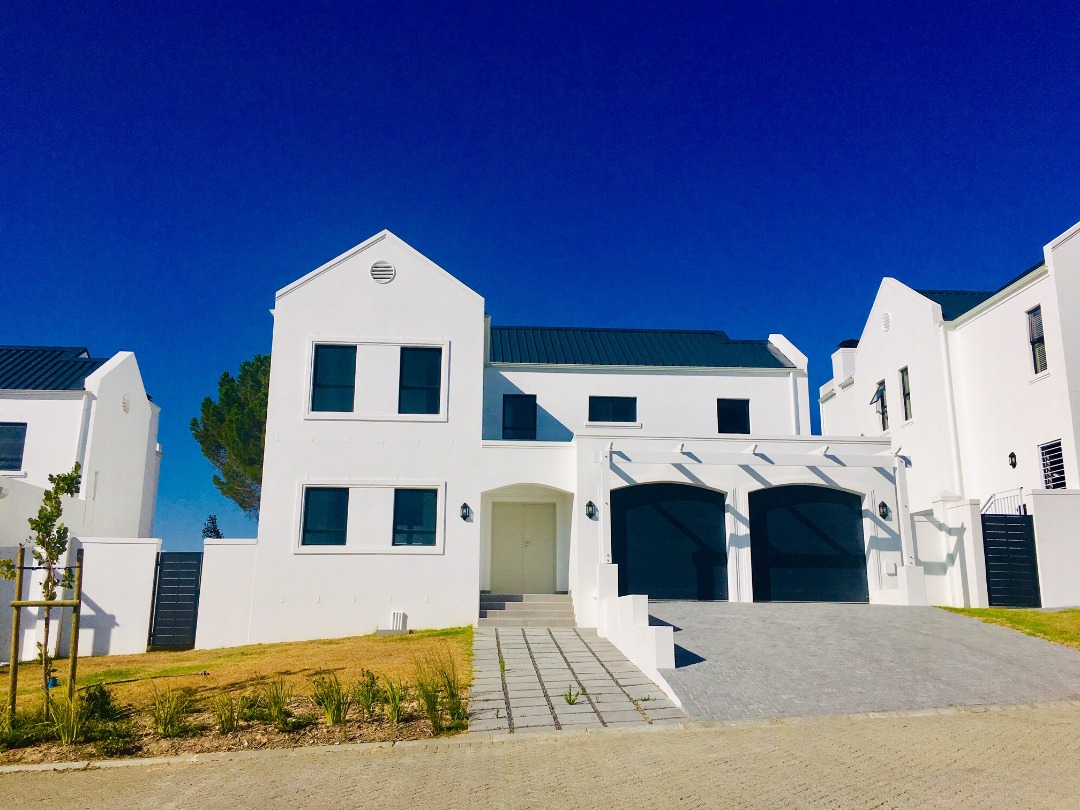 Property for sale in New Development on the edge of Somerset West
