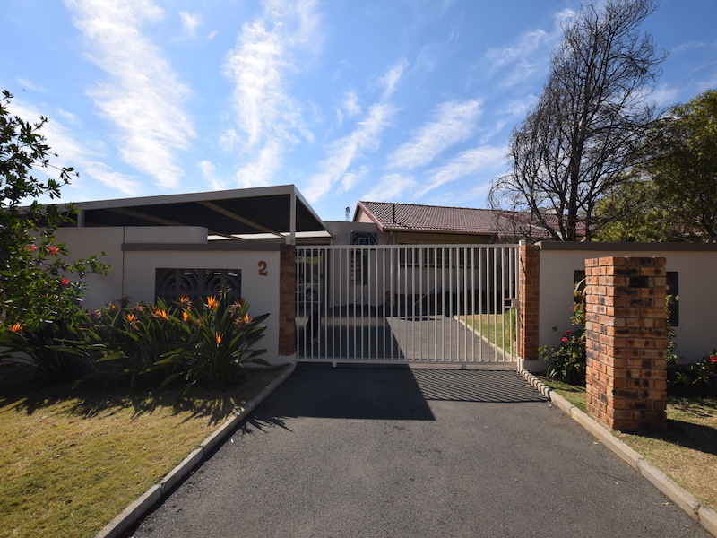 5 BedroomHouse For Sale In Croydon