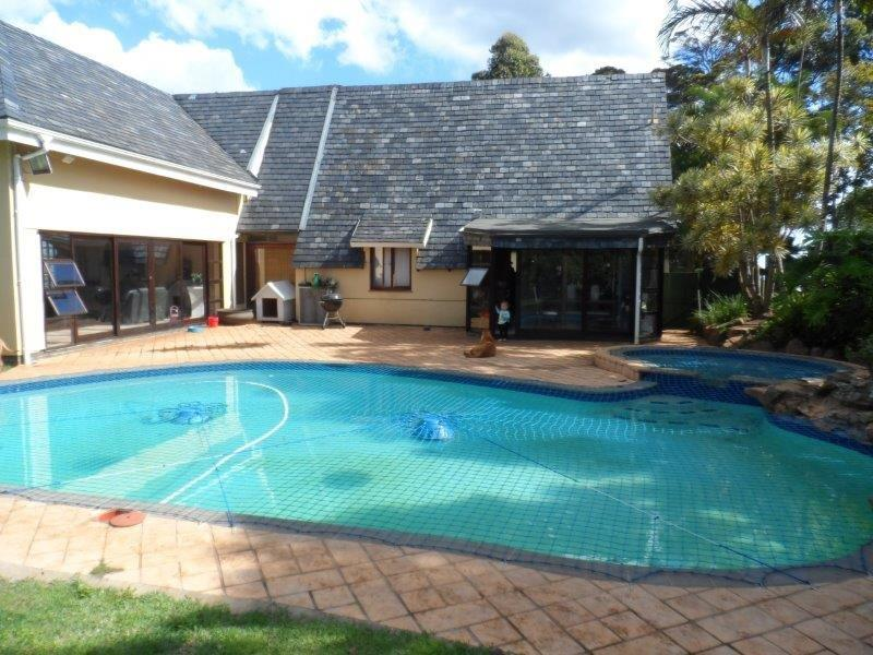 5 BedroomHouse For Sale In Waterfall