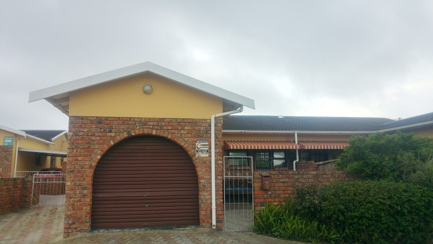 3 BedroomTownhouse For Sale In Newton Park