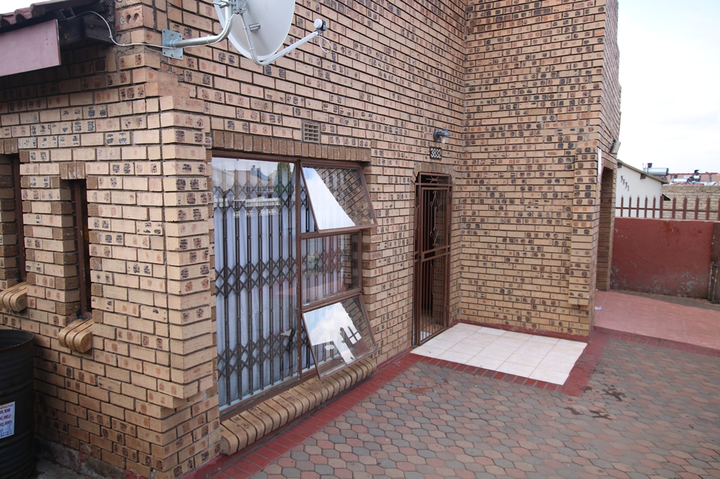4 BedroomHouse Pending Sale In Mhluzi