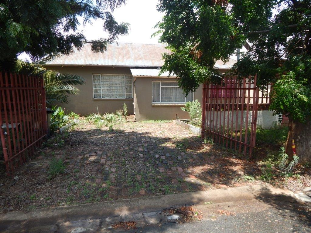 5 BedroomHouse For Sale In Brakpan