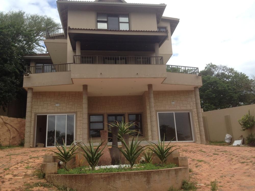 5 Bedroom home for sale , Ballito, Urgent sale .