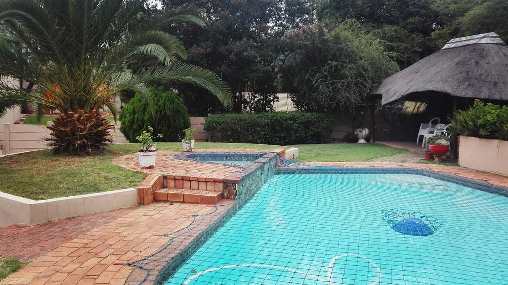 4 Bedroom House for sale in Garsfontein ENT0083808 : photo#1