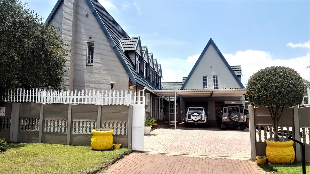 4 Bedroom House for sale in Verwoerdpark ENT0079262 : photo#1