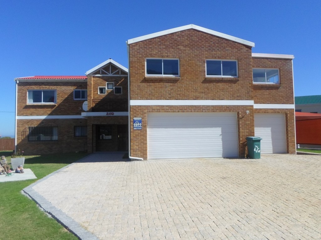 6 BedroomHouse For Sale In Bettys Bay