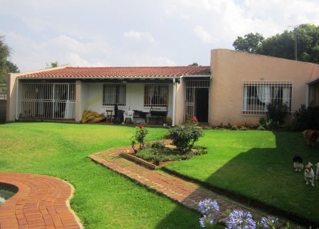 3 BedroomHouse For Sale In Birch Acres