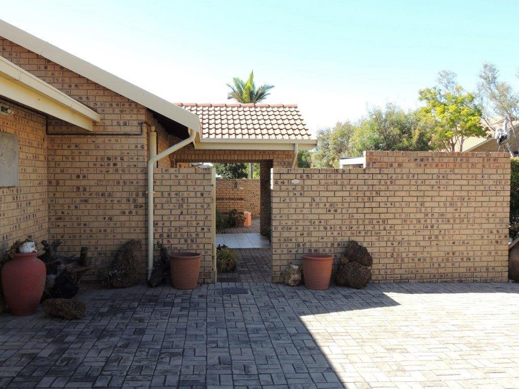 Three bedroom house for sale in retirement village in Modimolle