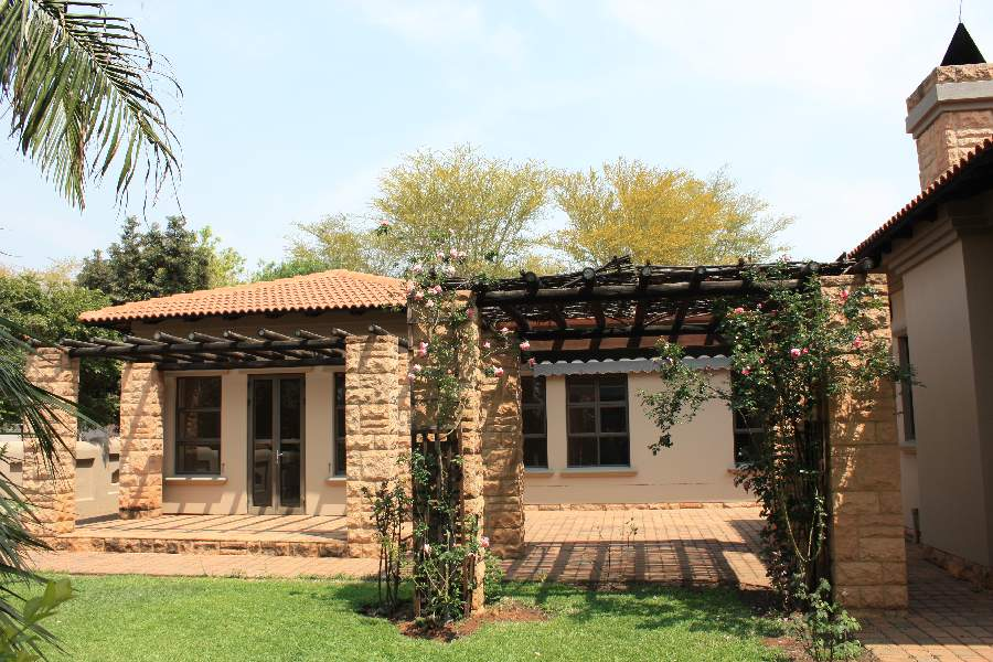 3 Bed luxury home in exclusive, small estate in Equestria