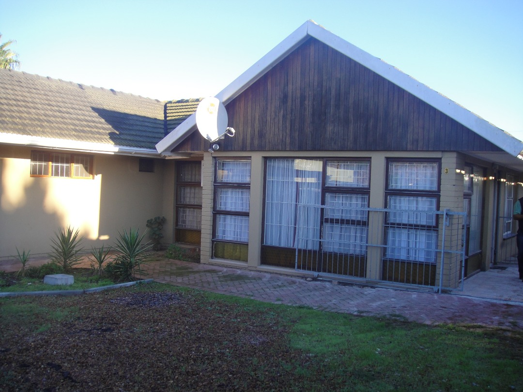 3-bedroom house for sale in Peerless Park North