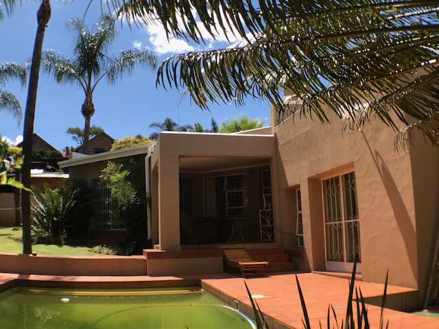 For sale 3 Bedroom, 2 Bathroom family home for sale in ERASMUSKLOOF, Pretoria east.