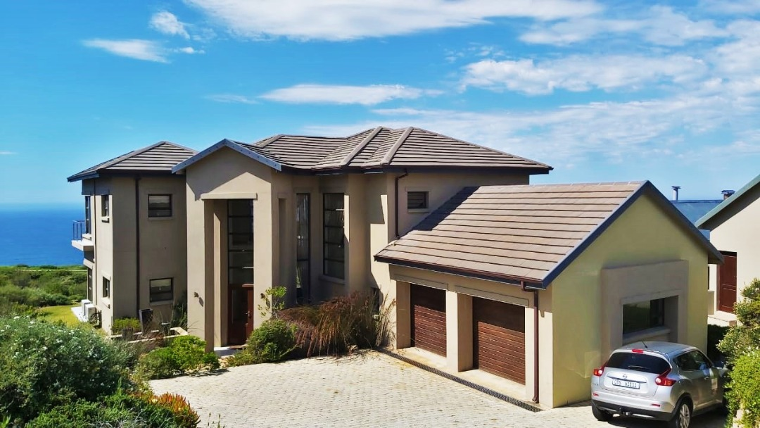 Beautiful 4 Bed, 4 Bath House is Now For Sale in Pinnacle Point Golf Estate, Mossel Bay