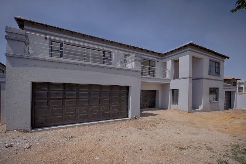 6 BedroomHouse For Sale In Meyersdal Nature Estate