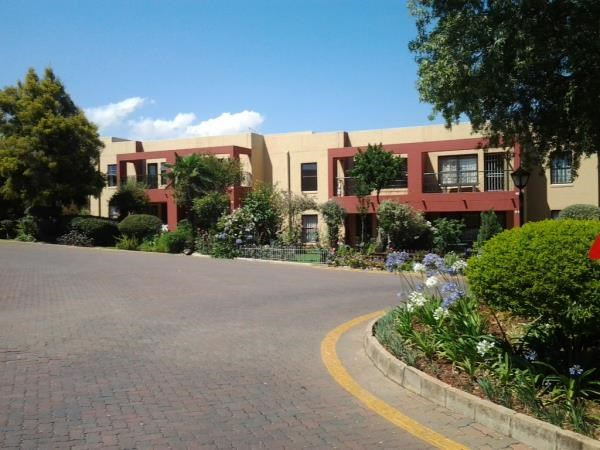 2 BedroomTownhouse To Rent In Marais Steyn Park