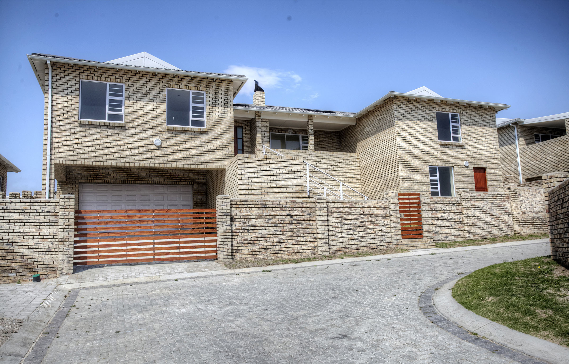 4 Bedroom House for sale in Lorraine ENT0068019 : photo#0