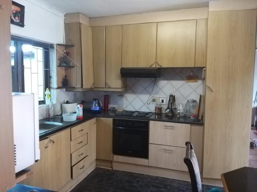 Kitchen main pic.jpeg