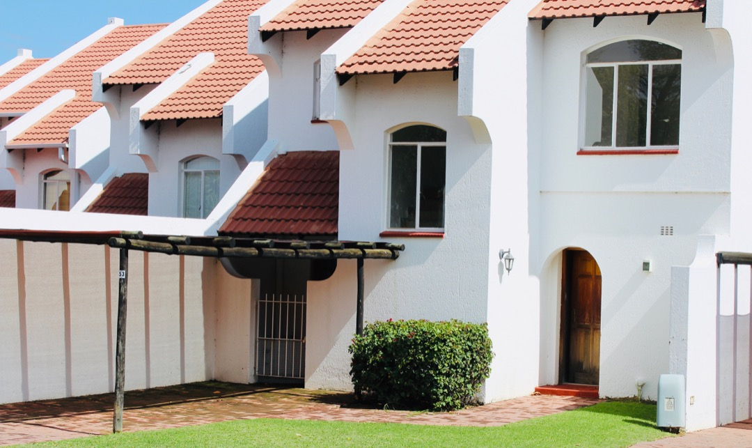 Lock up and Go in Stunning Complex at Vaal Marina
