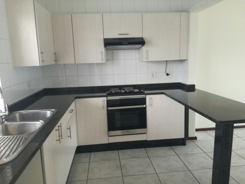 3 BedroomTownhouse To Rent In Lakefield
