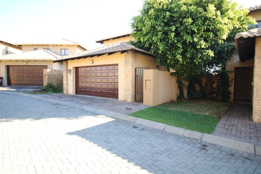 3 Bedroom Townhouse for sale in Erand Gardens ENT0033904 : photo#1