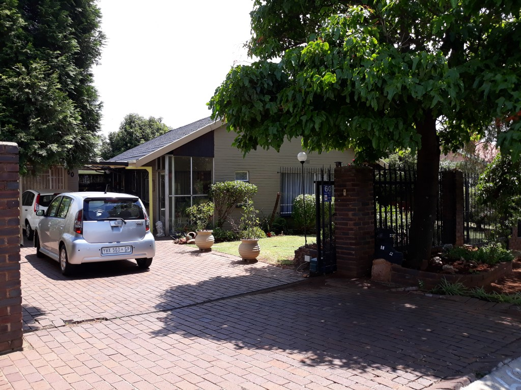 3 Bedroom House for sale in South Crest ENT0083788 : photo#0