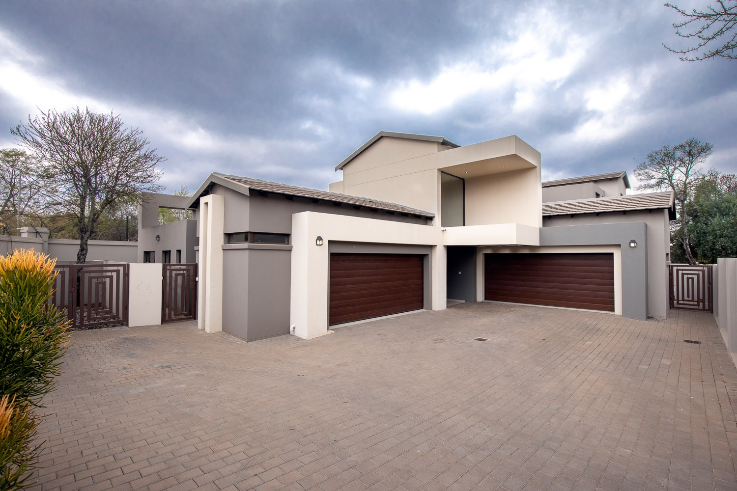 4 Bedroom For Sale in Raslouw